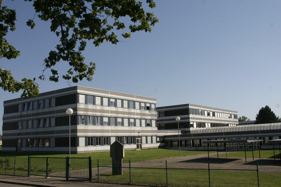 Lycée Delamare-Deboutteville
